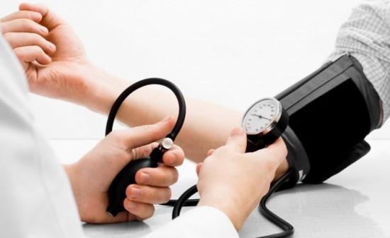 Снижение давления при изменении положения тела человека