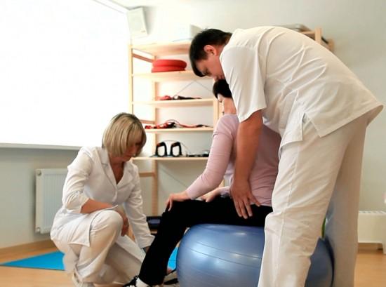 Реабилитация после инсульта - восстановление утраченных функций различных органов, прежде всего конечностей.
